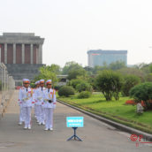 Мавзолей Хо Ши Мина — Рота почетного караула